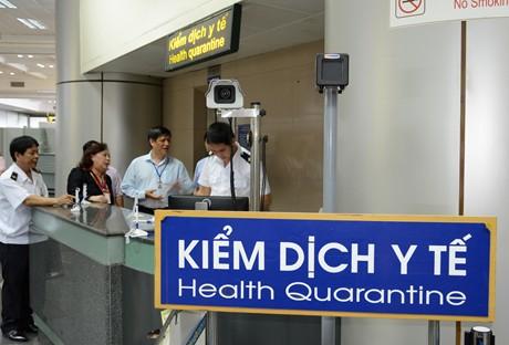 Đã tìm thấy 6 hành khách đi cùng với khách Nhật nhiễm virus covid-19