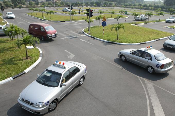 TP.HCM: Giáo viên dạy lái xe mua bằng giả qua mạng