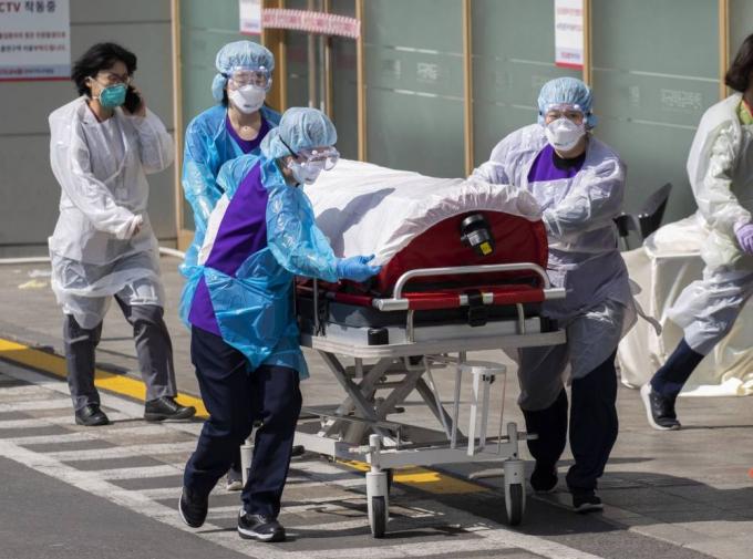 Dịch virus Covid ngày 93: Số ca tử vong do Covid-19 ở Italy tiếp tục tăng mạnh