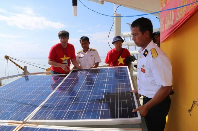 Đảo Cô Lin đã được lắp đặt hệ thống điện năng lượng mặt trời.