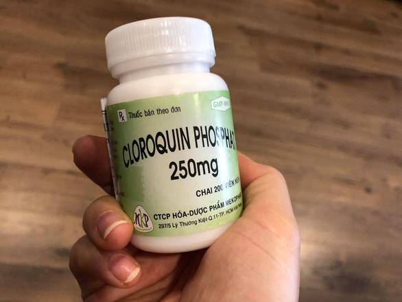 Thuốc điều trị sốt rét do Việt Nam sản xuất có tên thương mại là Cloroquin Phosphat.