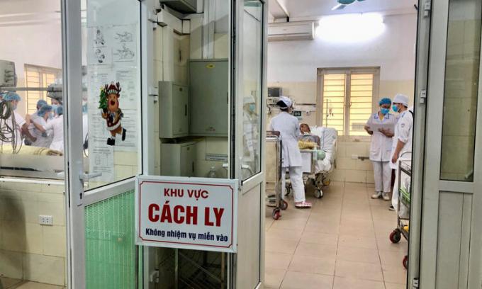 Hà Nội đưa vào theo dõi sức khoẻ 64 người sau khi rà soát người nhập cảnh từ 7/3