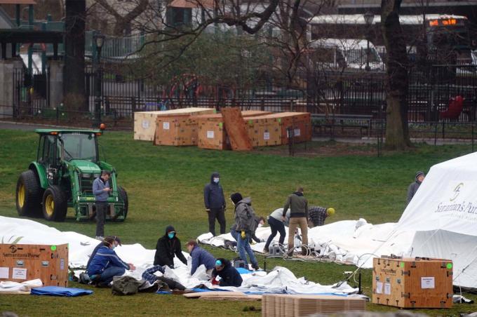 Mỹ lập bệnh viện dã chiến ở ngay Central Park của New York