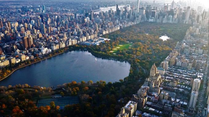 Công viên Central Park - nơi xây dựng bệnh viện dã chiến khi nhìn từ trên cao giữa một