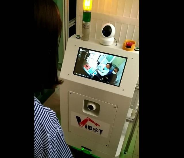 Việt Nam chế tạo thành công robot làm việc trong khu cách ly