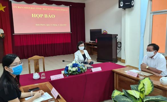 Tỉnh Bình Phước họp báo đột xuất về việc Phó chủ tịch huyện chống đối chốt kiểm soát dịch