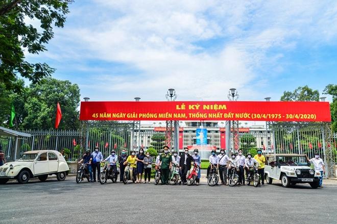 Du khách được trải nghiệm trên những chiếc xe máy của các chiến sĩ Biệt động Sài Gòn