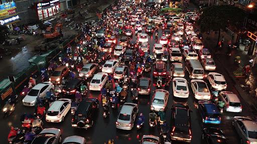 Dự thảo Luật Giao thông đề xuất xe máy phải bật đèn cả ngày