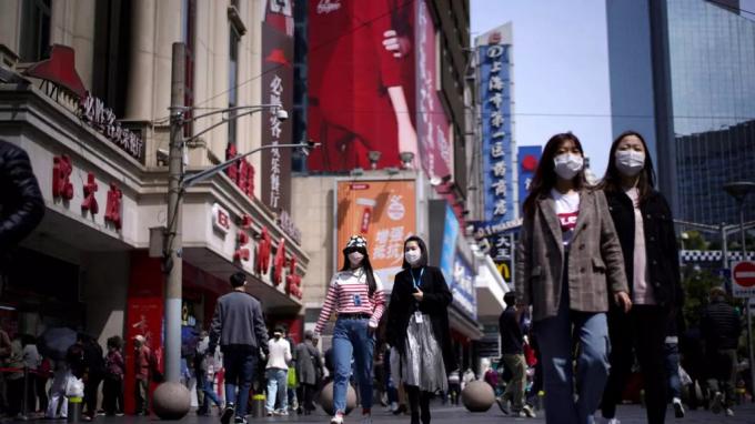 Trung Quốc lo ngại về làn sóng bùng dịch mới