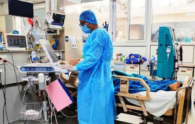 Phổi của bệnh nhân 91 chỉ còn 10% hoạt động, sẽ chết nếu chấm dứt ECMO