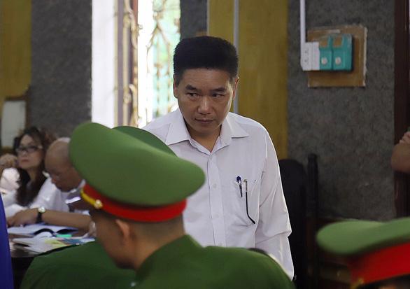 y-Bị cáo Trần Xuân Yến, cựu phó giám đốc Sở GD-ĐT Sơn La.