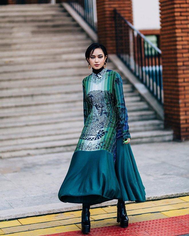 Cô nàng 9x cũng là một trong những influencer Việt cán mốc hơn 2 triệu người theo dõi trên instagram cá nhân, cho thấy sức hút của cô tại thời điểm hiện tại.