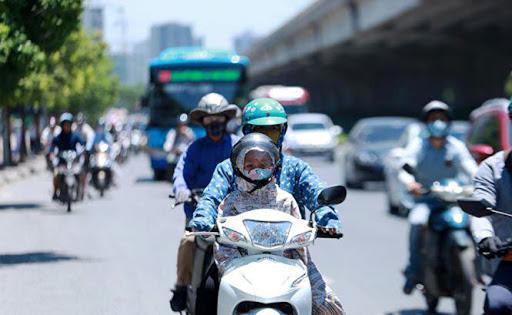 Thủ đô Hà Nội tiếp tục nắng nóng gay gắt