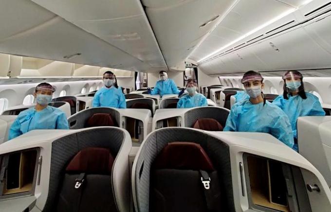 Ấn Độ: Vừa mở đường bay nội địa đã phát hiện 23 hành khác dương tính với Covid-19