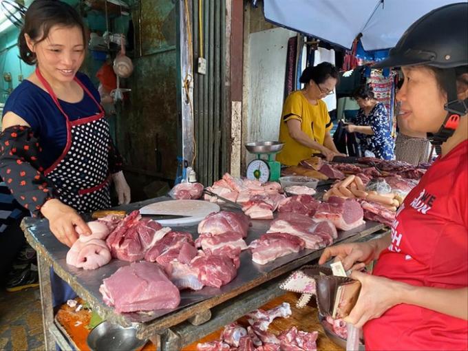 Giá thịt lợn tăng lên hơn 200.000 đồng/kg