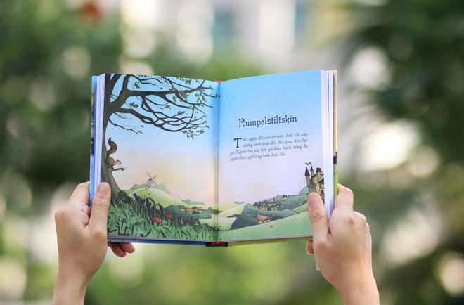 Illustrated Classics là cuốn triệu kinh điển minh họa bằng tranh được Đinh Tị Books phối hợp NXB Thanh Niên phát hành. Trong đó là các cổ tích nổi tiếng nhất thế giới như: Truyện cổ Grimm, Truyện cổ Andersen hay Nghìn lẻ một đêm...