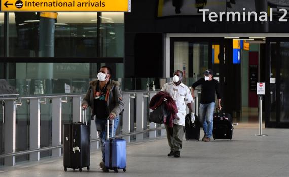 Ba hãng hàng không Anh khiếu nại về lệnh cách ly 14 ngày của Chính phủ