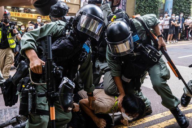 Người đầu tiên bị truy tố theo luật an ninh quốc gia mới tại Hong Kong