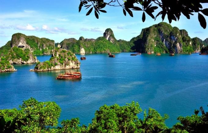 Báo Mỹ bình chọn vịnh Hạ Long là 1 trong 50 kỳ quan du lịch thiên nhiên thế giới