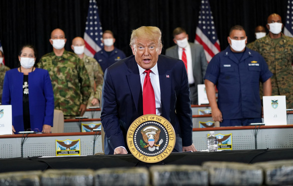 Tổng thống Mỹ Donald Trump tới thăm Bộ Chỉ huy phía nam của quân đội Mỹ (SOUTHCOM) tại Doral, Florida, Mỹ ngày 10-7-2020 - Ảnh: REUTERS