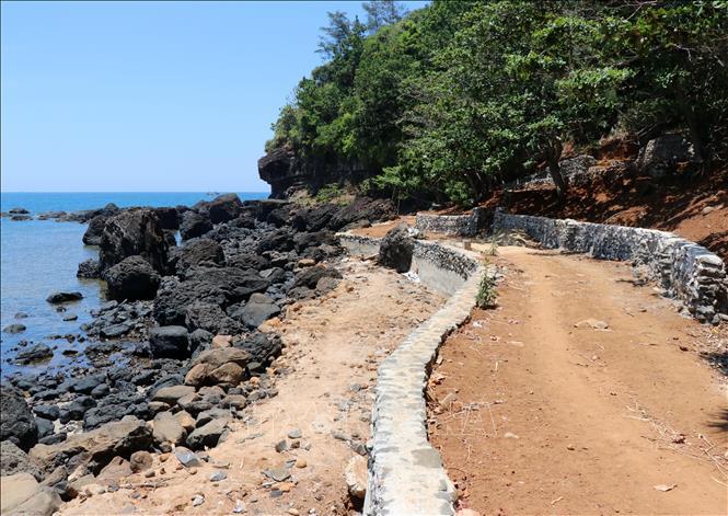 Theo phản ánh của người dân, một số nơi trong di tích đã không còn giữ được nét hoang sơ như ban đầu.