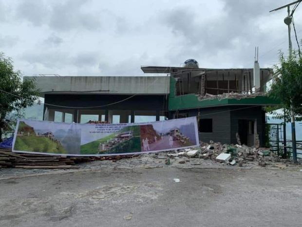 Nhà hàng Mã Pì Lèng Panorama đang được phá dỡ, cải tạo.