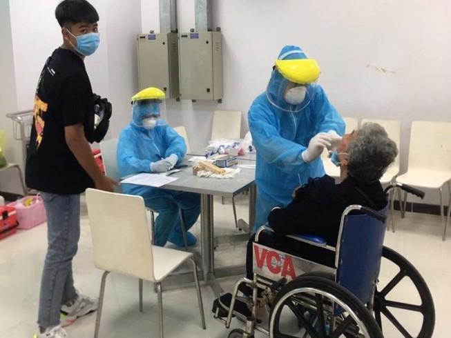 Xét nghiệm Covid-19 cho 10.000 người ở Đà Nẵng