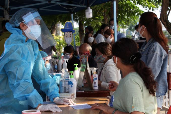 Chỉ sau 24 giờ phát động, 5.400 thanh niên Đà Nẵng tự nguyện tham gia chống dịch
