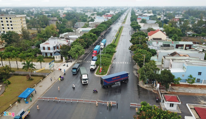 Hàng trăm phương tiện từ hướng Quảng Nam vào Đà Nẵng phải quay đầu.