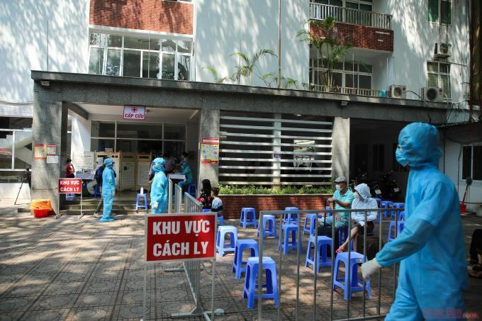 Hà Nội phát hiện một trường hợp nghi mắc COVID-19 cũng từ Đà Nẵng trở về
