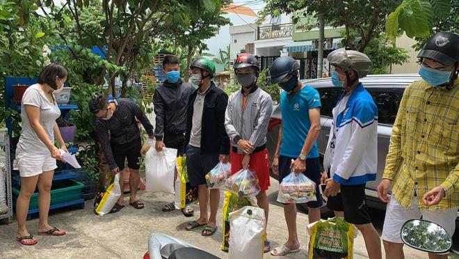 Chủ nhà trọ Đà Nẵng giảm tiền thuê nhà và mua đồ dùng cho sinh viên