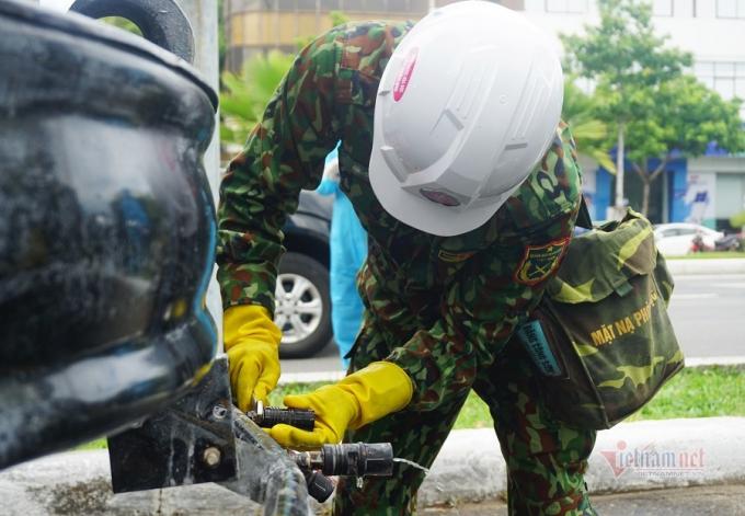 Ảnh: Xe đặc chủng khử khuẩn toàn quận Sơn Trà ở Đà Nẵng