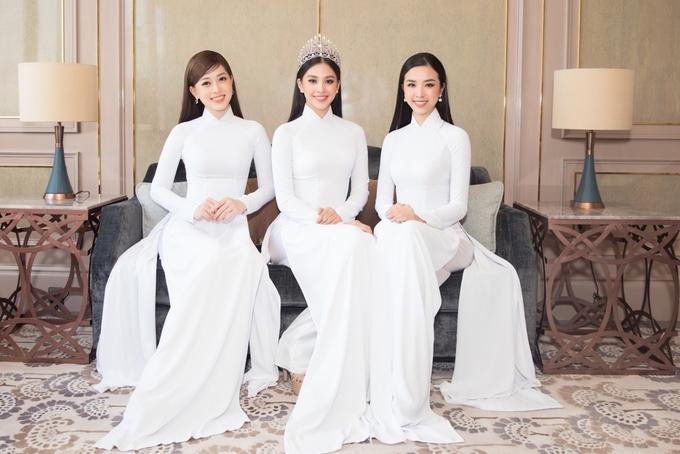 Top 3 Hoa hậu Việt Nam 2018 (trừ phải sang): Thúy An, Tiểu Vy, Phương Nga. Ảnh: Hữu Khoa.