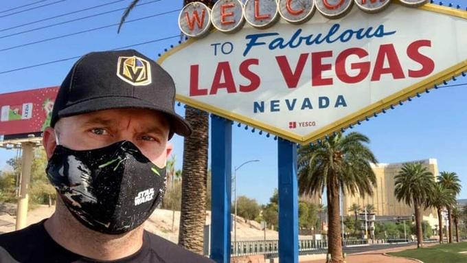 Louis, cư dân Las Vegas, tham gia thử nghiệm giai đoạn 3 của vắc xin hãng Moderna. Ảnh: CNBC