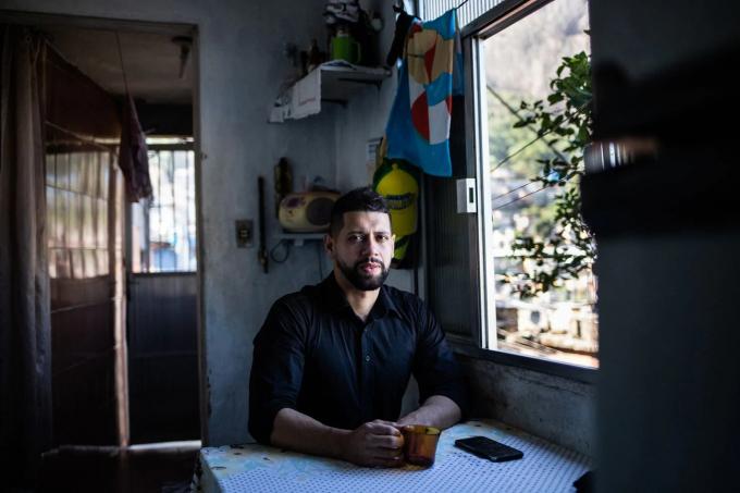 Rodrigo Guedes da Silva, 38 tuổi. Ảnh: Maria Magdalena Arrellaga.