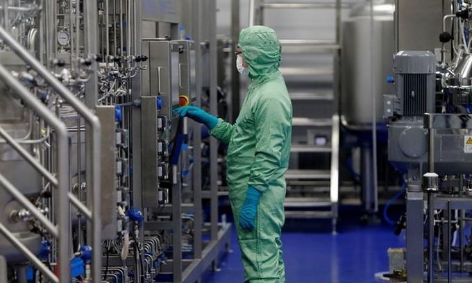Cơ sở sản xuất vaccine của CanSino Biologics tại Thiên Tân, Trung Quốc năm 2018. Ảnh: Reuters.