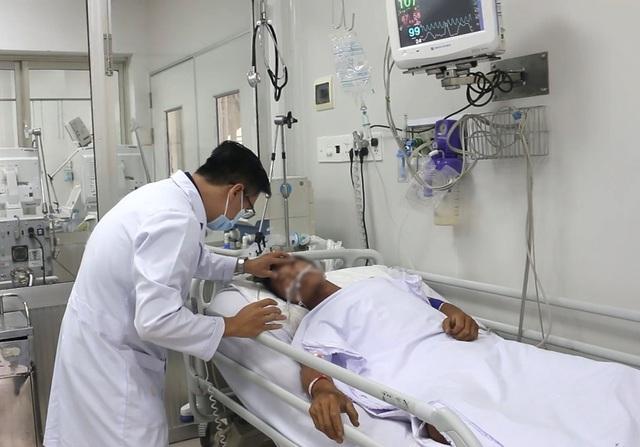 Anh T. đang điều trị tại Khoa Bệnh nhiệt đới (Bệnh viện Chợ Rẫy, TPHCM).