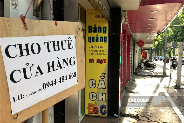 Phố hàng sang Hà Nội đóng cửa hàng loạt, các cửa hàng