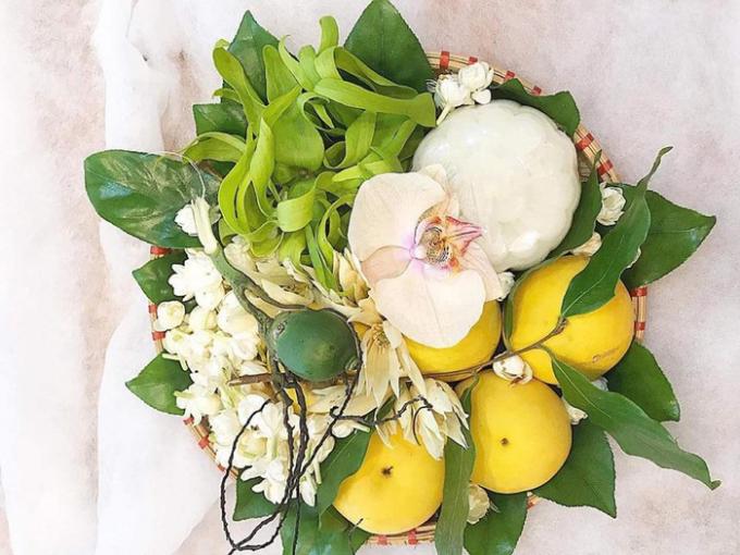 Mẹt hoa quả thơm, quả ngũ sắc cúng rằm với nhiều loại bắt mắt