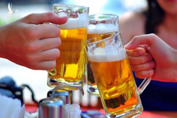 Bán bia cho người dưới 18 tuổi sẽ bị phạt từ 15/10