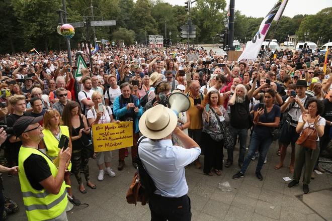 Biểu tình tại Berlin, Đức vào ngày 30.8 phản đối các biện pháp phòng chống Covid-19