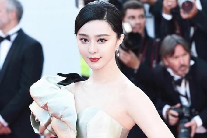 Không chỉ 'Mulan' Lưu Diệc Phi, nhiều mỹ nhân Hoa Ngữ cũng sở hữu tài sản