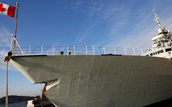 Khu trục hạm HMCS Calgary của Canada từng thực hiện nhiệm vụ ở Biển Đông năm 2018 - Ảnh: REUTERS