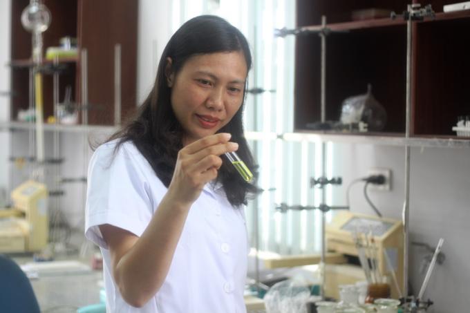 TS. Trần Thị Hồng Hạnh.