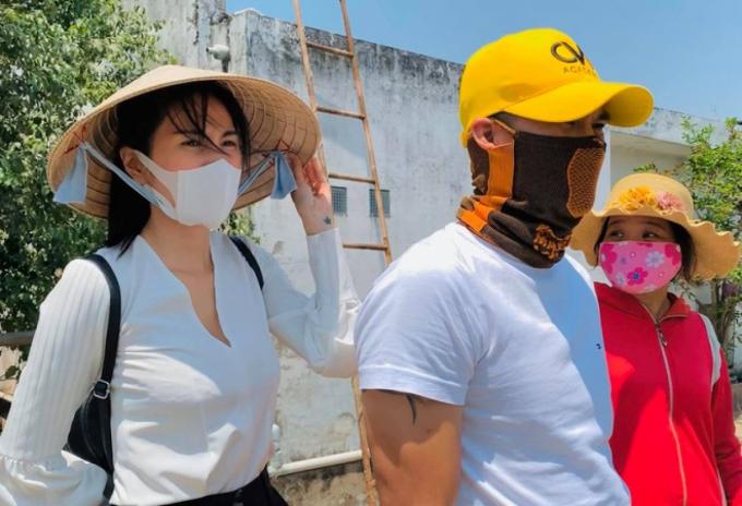 Thủy Tiên và chồng rất tích cực hoạt động thiện nguyện.