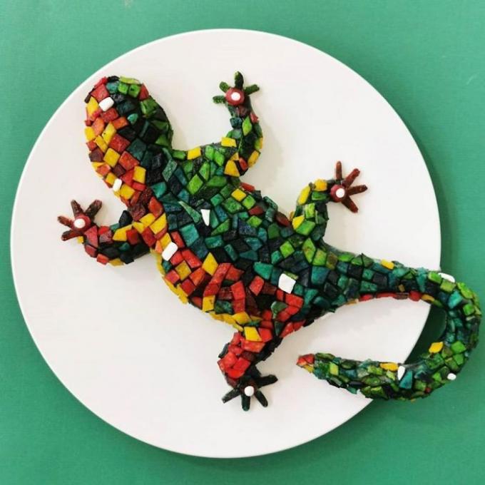 Bà mẹ gây 'bão mạng' với tuyệt chiêu trang trí đồ ăn hình thú vật sống động như thật