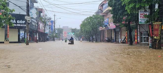 Tình trạng ngập nước diễn ra ở khắp nơi.