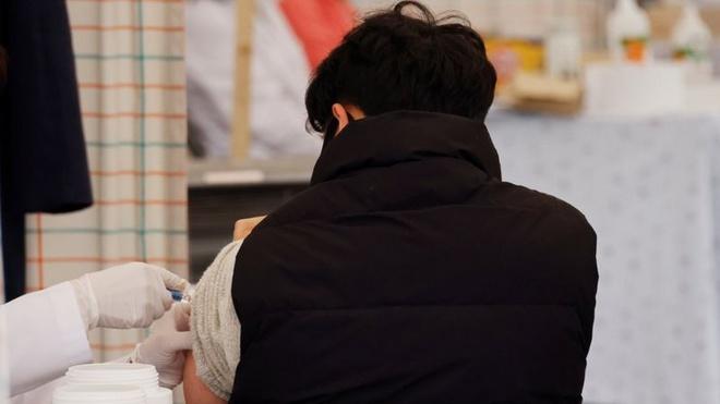 Hàn Quốc tiến hành điều tra về 13 người chết sau khi tiêm vaccine cúm