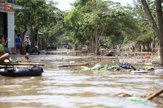 Sau mưa lũ, ngập lụt cần phải thực hiện các hoạt động vệ sinh môi trường, đảm bảo nước rút đến đâu làm vệ sinh môi trường đến đó.