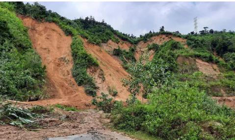 Các huyện miền núi Quảng Nam đang bị sạt lở nặng